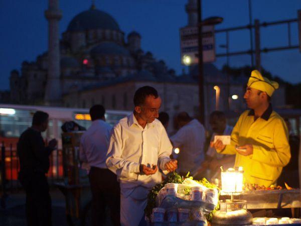 Local Tastes – Street food (Istanbul, Turkey). Hagia Sophia in the background.