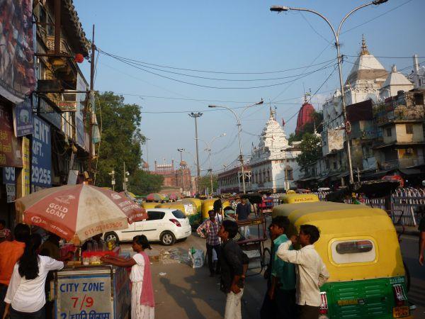 Old Delhi. Im Hintergrund das Red Fort